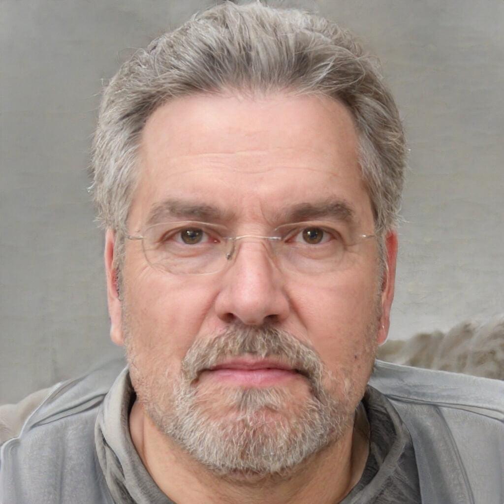 John Maxwell, CB expert review Author